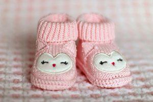 Woollen baby pink booties
